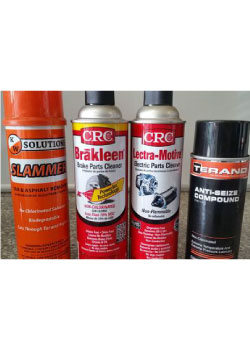 Cleansers to wash electric parts and brakes on vehicles